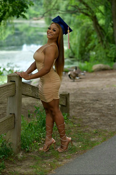 graduation girl2.jpg