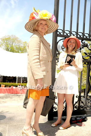 Martha Stewart arriving at the 32nd. Annual Frederick Law Olmsted Awards Luncheon in Central Park Conservatory Garden on 5-7-14.  photo by Rob Rich/SocietyAllure.com © 2014 robwayne1@aol.com 516-676-3939