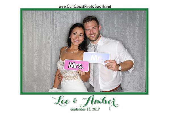 Amber Balzli Wedding Photo Booth