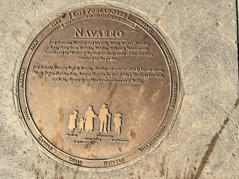 Plaque_Navarro_CloseUp.jpg
