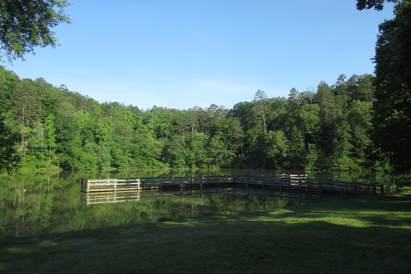 A huge fishing pier juts out into the lake from the picnic area...