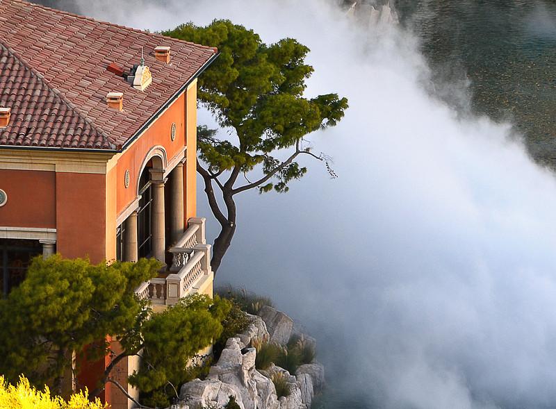 Bellagio pond fog.jpg
