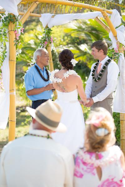 gillin beach kauai wedding-92.jpg