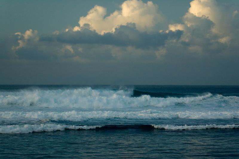 070102.Ocean Waves.174805.ehukai..jpg