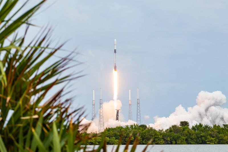 Falcon 9 w/ Starlink