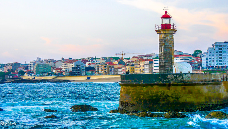 Porto lighthouse.jpg