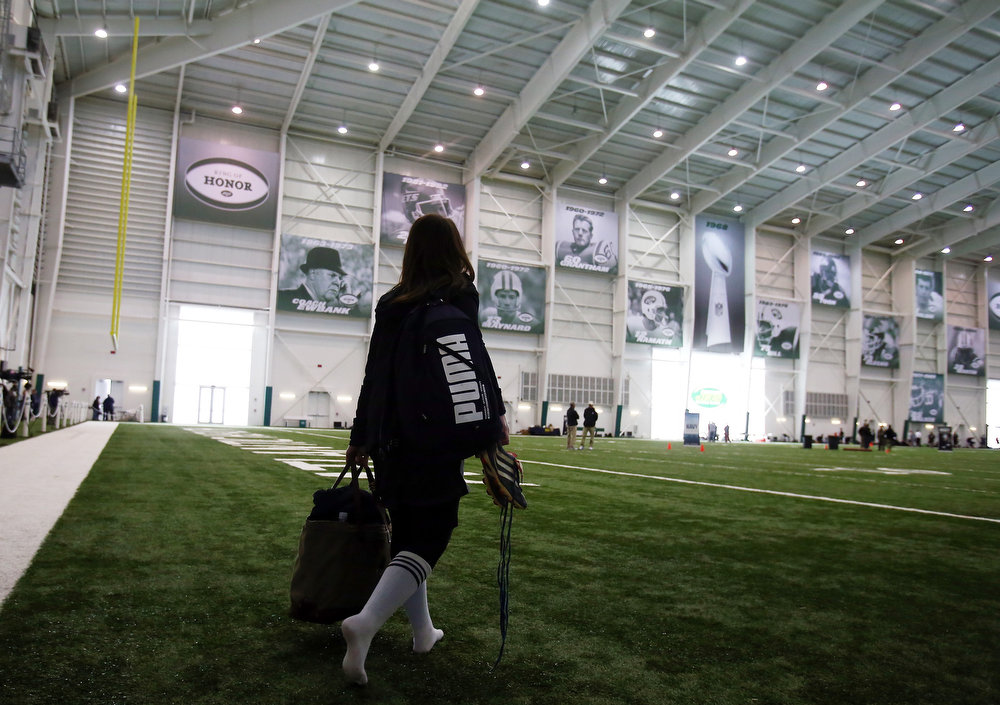 . Lauren Silberman walks onto the field for warmups before she participates in NFL Regional Scouting Combine on March 3, 2013 at the Atlantic Health Training Center in Floram Park, New Jersey. Silberman is the first  female to try out for the NFL.  (Photo by Elsa/Getty Images)