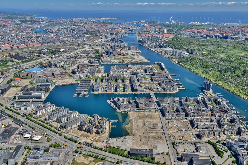 This aerial shot is not my own but only used to give an overview of Ford Graven, Teglværkshavnen and Sydhavnen. Frederikskaj is the block of 7 buildings in the middle at the bottom of the picture with the large house boat in front.