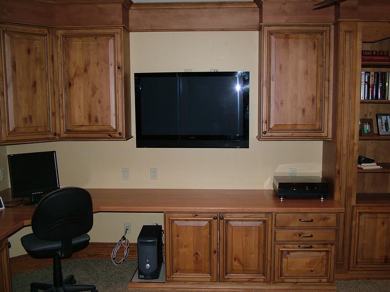 Plasma TV doubles as a computer screen