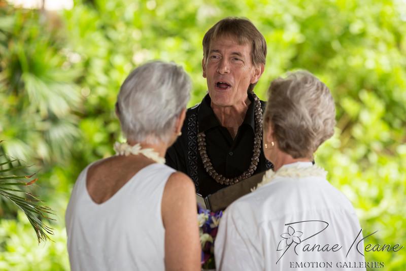 033__Hawaii_Destination_Wedding_Photographer_Ranae_Keane_www.EmotionGalleries.com__141018.jpg