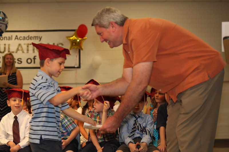 2012May18_MTA Kinder Grad_9688.JPG