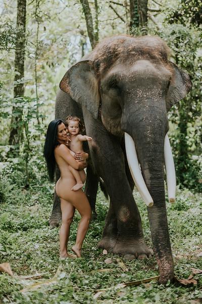 VTV_family_photoshoot_elephants_Bali_ (137).jpg