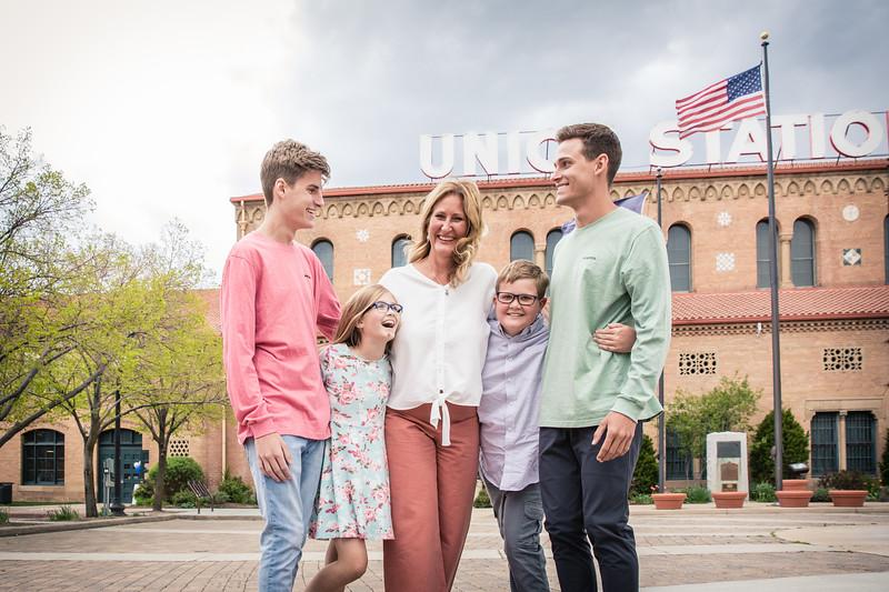 Deonne & Kids  2019