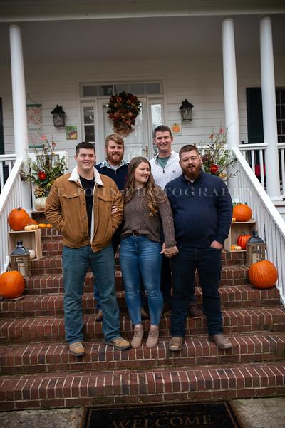 2019 November Ellis Family-182-174.jpg
