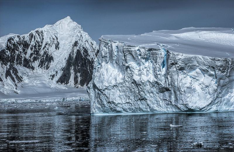 crossing antarctic circle 72-Edit.JPG