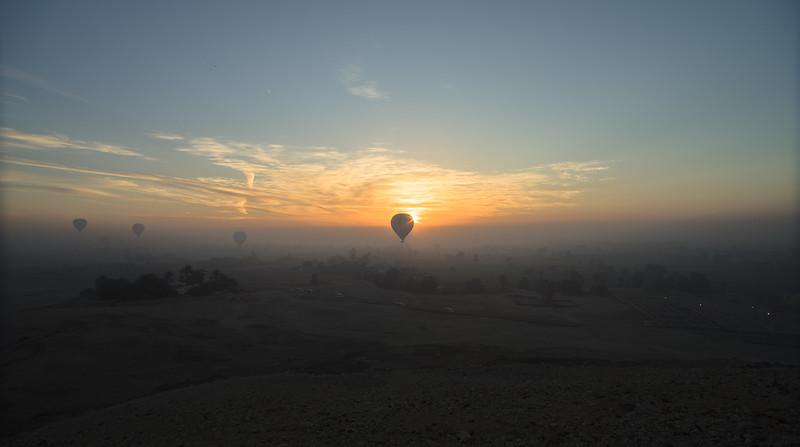 El valle del Nilo al amanecer. Luxor. Egipto