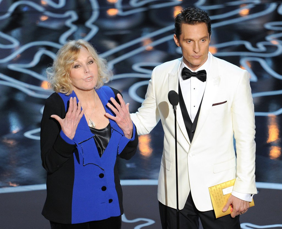 ". <p><b> Kim Novak reappeared at the Oscars for the first time in decades, and it was obvious to TV viewers that she was � </b> <p> A. Nervous <p> B. Inebriated <p> C. Using Bruce Jenner�s plastic surgeon <p><b><a href=\'http://www.oregonlive.com/movies/index.ssf/2014/03/oscars_2014_where_has_kim_nova.html\' target=""_blank\"">HUH?</a></b> <p>    (Kevin Winter/Getty Images)"