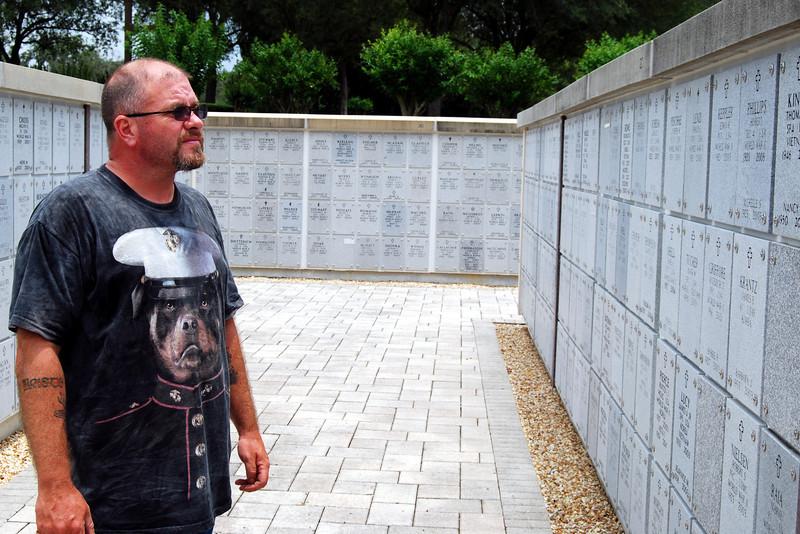 June 15 2003 to Florida National Cemetery (18).JPG