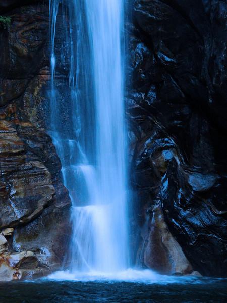 Waterfall Valle Maggia Switzerland 2009.jpg