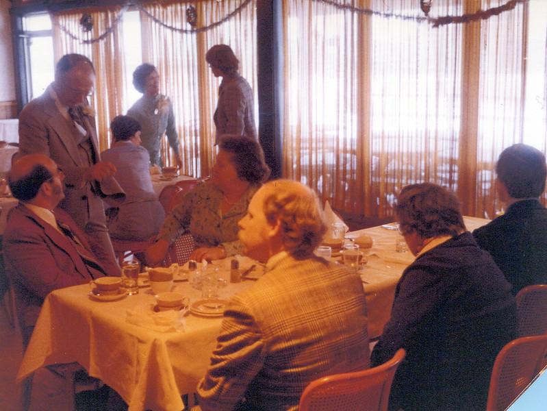 1975 Doug Gordon, Doc, Anne, Viv, Zerb, Gerry Gordon, Tom and Connie Hiscock.jpeg