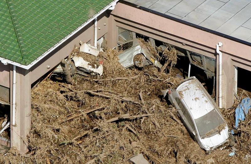 JapanEarthquake2011-303.jpg