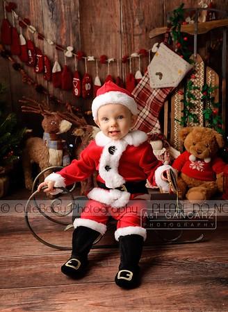 Isla Christmas Mini
