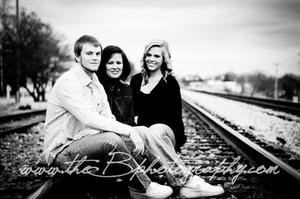Gloria, Chandler and Kayla