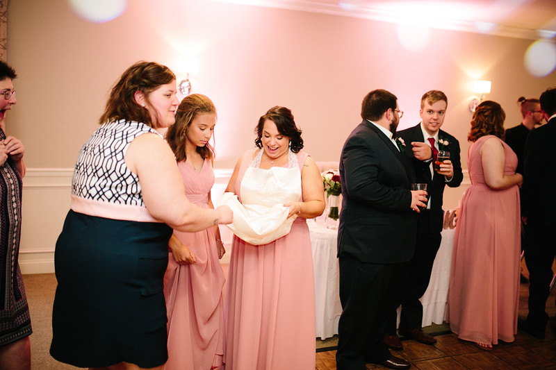 amie_and_adam_edgewood_golf_club_pa_wedding_image-1056.jpg