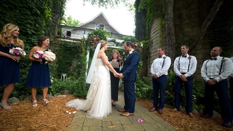 Garrett & Lisa Wedding (325).jpg