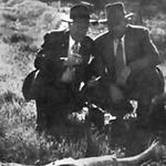 1947-01-15-LeimertPark-InvestigatorsAtBlackDahliaCrimeScene.jpg