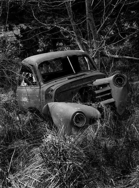 XK4L5407-01Wrecked 48 Chevy pickup - Black and White.jpg