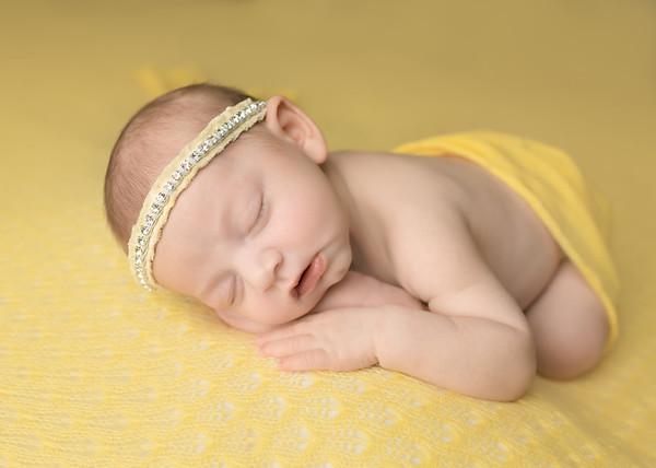 Newborn: Lux
