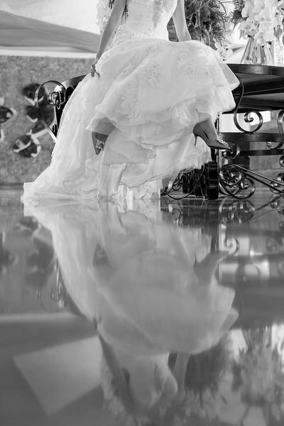 Junhua-Antonio-2-Newlyweds-99-Edit.jpg