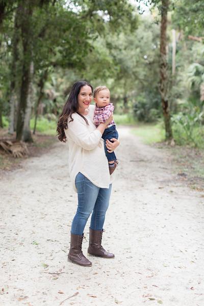 Holiday Minis- Acosta Family-53.jpg