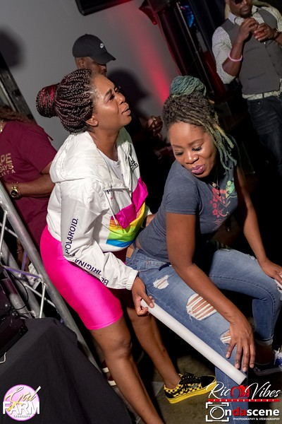 GAL FARM THURSDAYS PRESENTS IT'S GLOW NEON EDITION-69.jpg