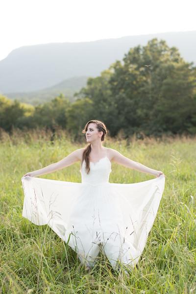 bride-in-field-(6 of 21).jpg