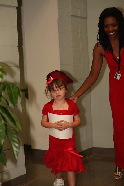 2012May18_MTA Kinder Grad_9826.JPG