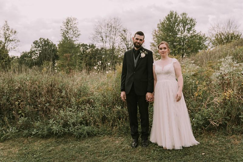 rustic_ohio__fall_barn_wedding-295.jpg