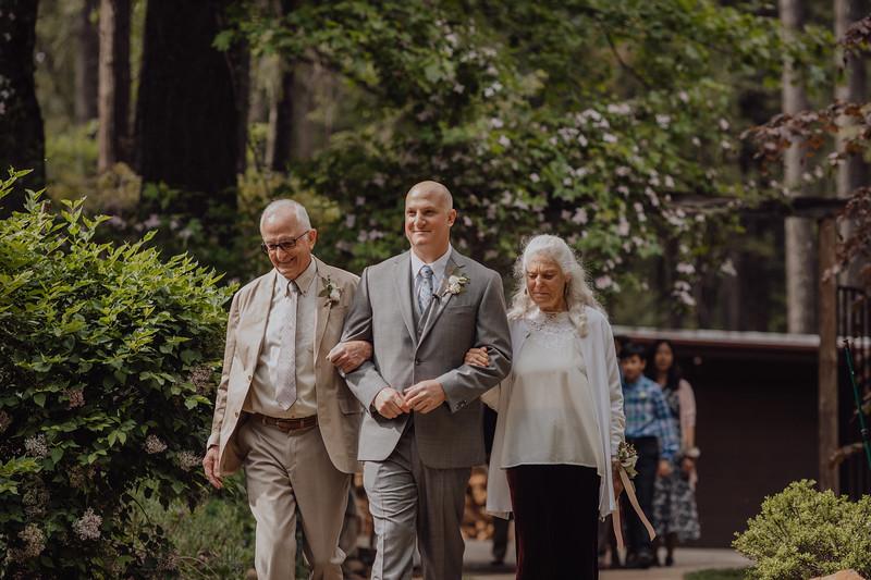 2018-05-12_ROEDER_JulieSeth_Wedding_DUSTIN1_0041.jpg