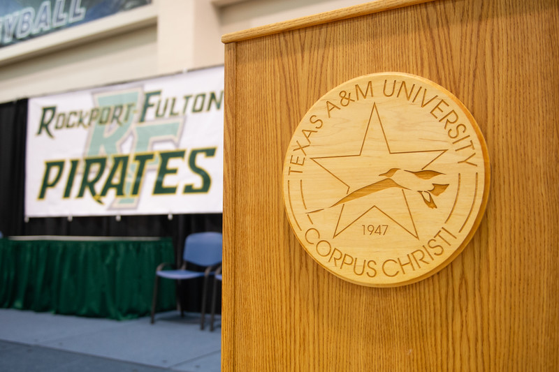 2018_0601-RFHS-Graduation-9193.jpg