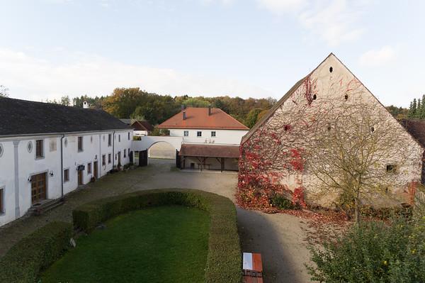 Castles-Ruins-Falkenhof-2014