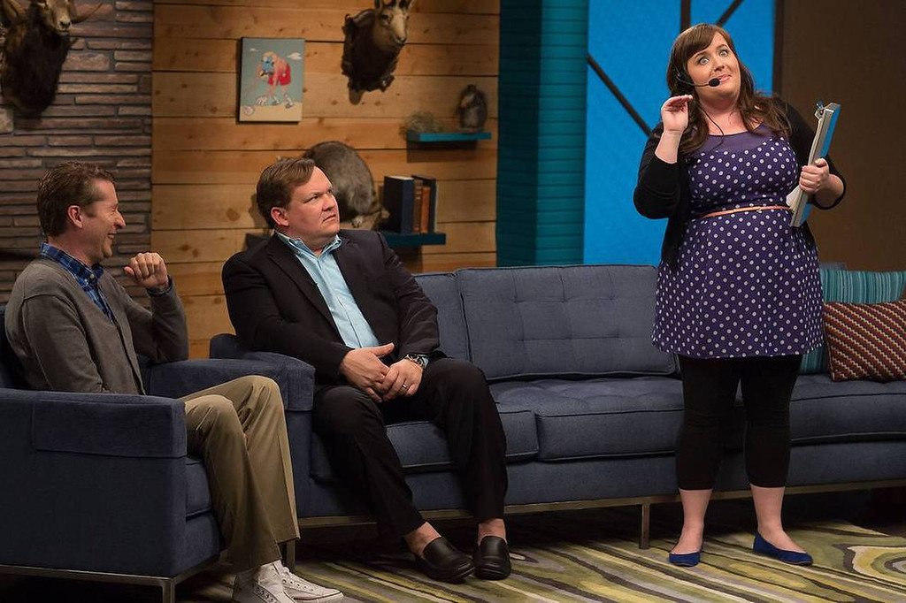 ". (L to R) Scott Aukerman, Andy Richter and Aidy Bryant in IFC\'s ""Comedy Bang! Bang!\""  (Photo by Chris Ragazzo/IFC)"