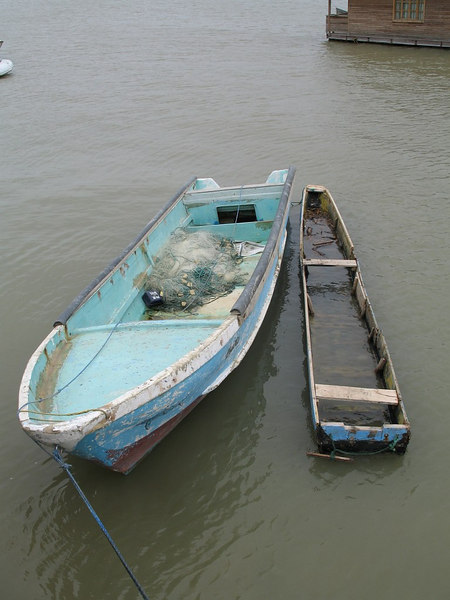 2006-11-06_11664 boat in top shape Boot in top Zustand una barca en condición óptima