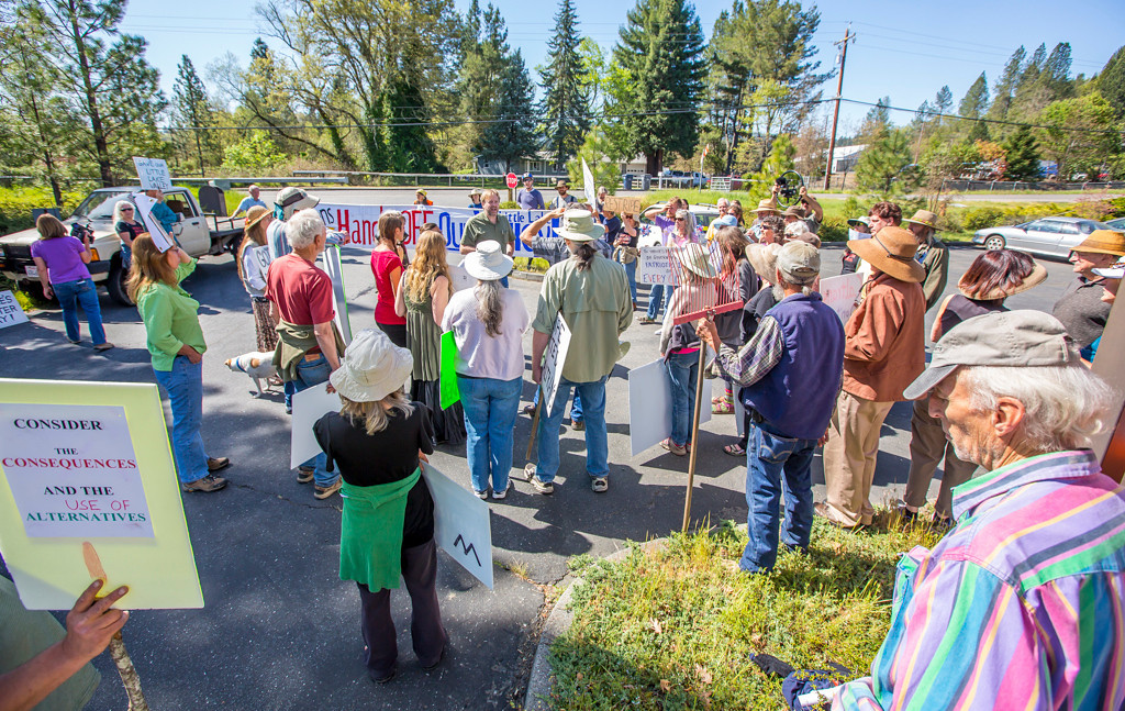 . Photo by Steve Eberhard TWN 8 Willits bypass protesters April 23, 2013 in front of the Willits CalTrans bypass project office at corner of Baechtel and E. Hill roads.