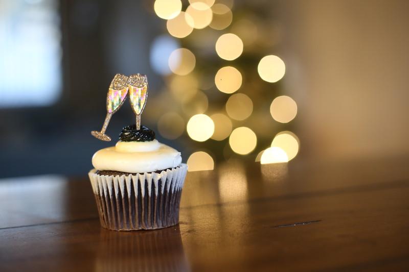 2019-12-31_NYE-Cupcake-4883.JPG