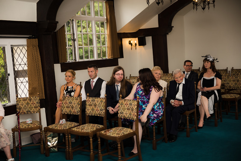Mayor_wedding_ben_savell_photography_bishops_stortford_registry_office-0047.jpg