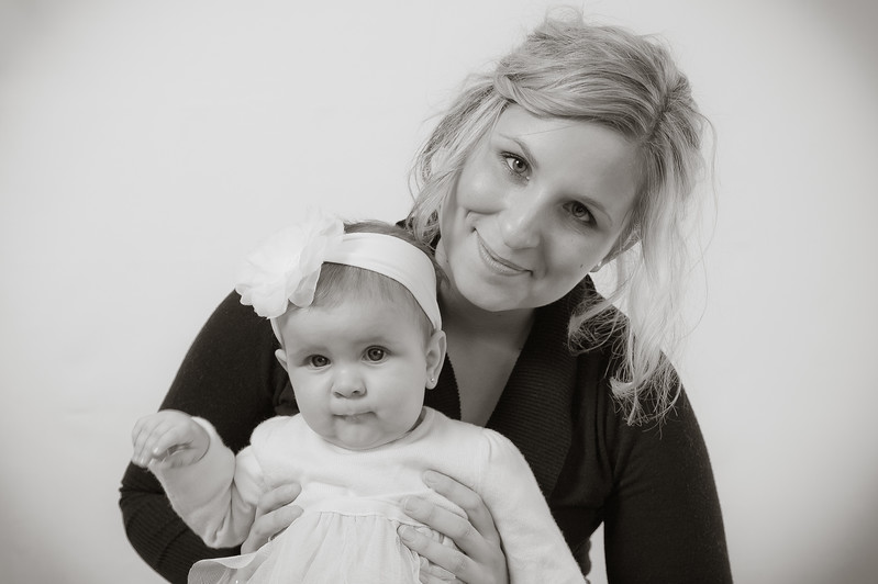 Lily at 6 months-4669.jpg
