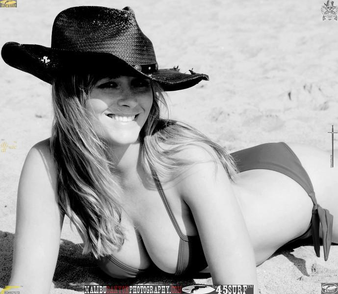 santa_monica_swimsuit_bikini_model 787..345.best.bw.