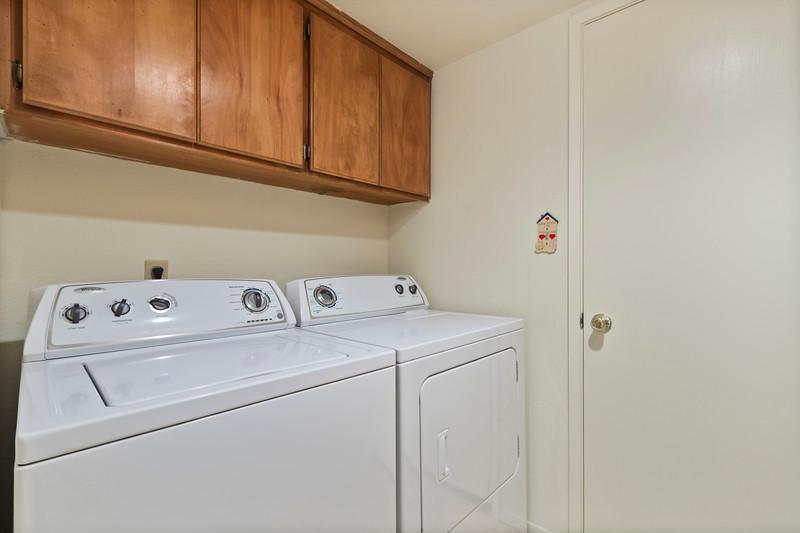 3280 Firtree 16 Laundry.jpg