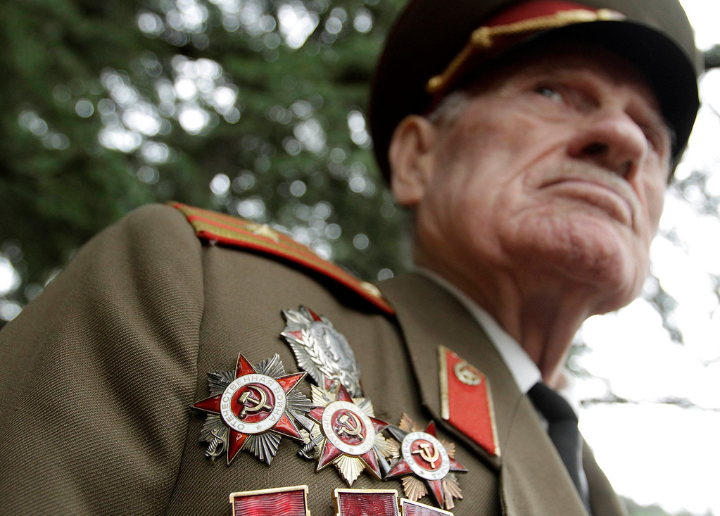 . A World War Two veteran wears orders during Victory Day celebration in Tbilisi, May 9, 2013. Georgia commemorates the 68th anniversary of the Soviet Union\'s victory over Nazi Germany on May 9. REUTERS/David Mdzinarishvili